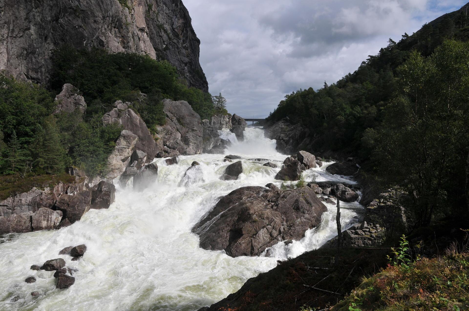 Helvetesfossen Åna-Sira