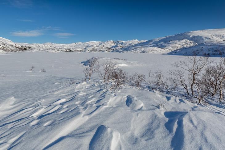 Snødekt fjellandskap